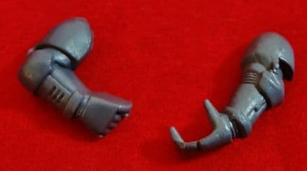 Space Marine Weapon Holding Arms Set (left and right)