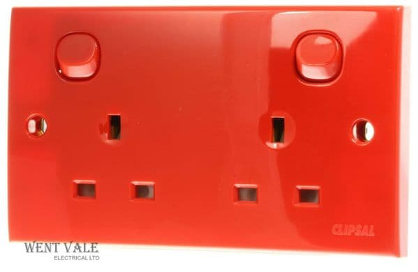 Clipsal E25D Series - CLIE25RD - 13a Twin PVCu Switched Socket in Red New