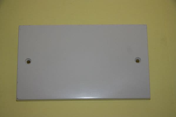 Selectric - LG9112 -  White Moulded 2 Gang Blank Plate New