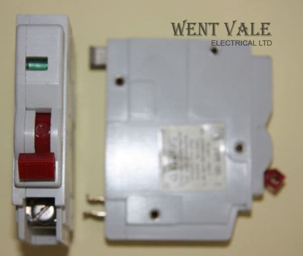 Square D - Qwikline - QO-E - Mk1 - 32a Type 3 Single Pole MCB With Red Toggle Switch Used